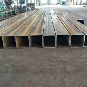 Iron Pipe 6 Meter Welded Steel Pipe Erw Black Square Steel Pipe