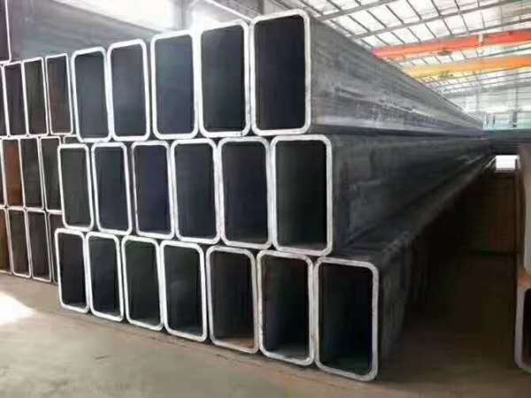 Square concrete filled steel tube