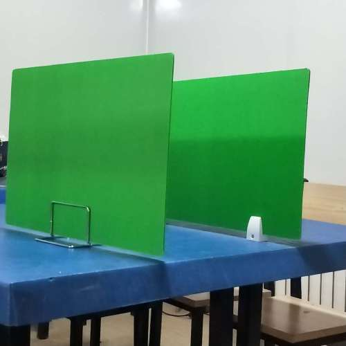School desk divider/ partition made by pp Plastic with different color