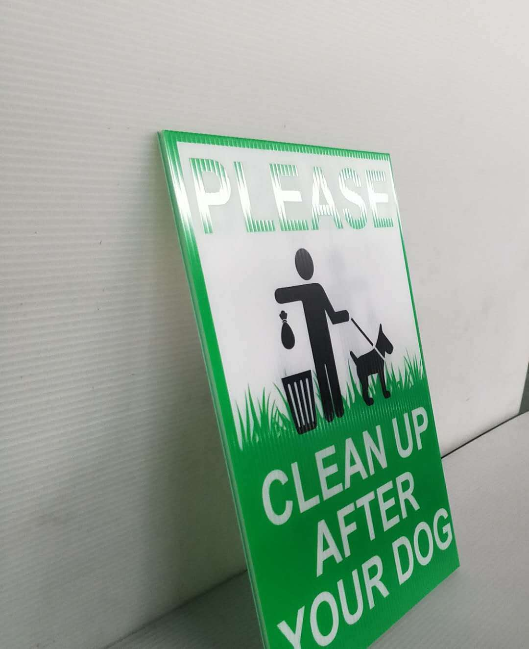 Whats the usual printing of plastic hollow sign?