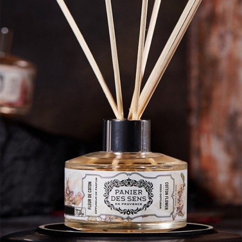 Wholesale luxury natural reed stick decorative glass bottle reed diffuser gift set