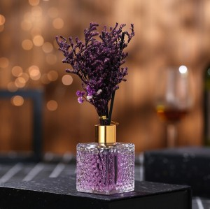 Wholesale home decoration fragrance eternal lavender large glass bottle reed diffuser With rattan sticks