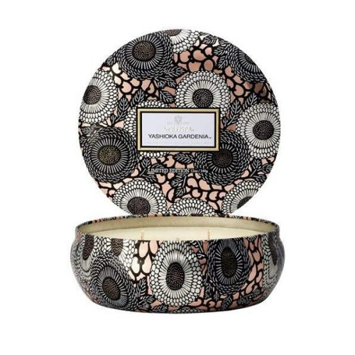 Wholesale 3 wicks luxury scented soy customized candle in colorful tin jar with folding box