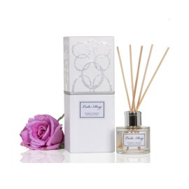 Reed diffuser with gift box
