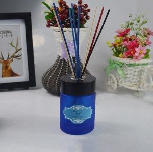 Blue bottle aroma reed diffuser with black wood cap