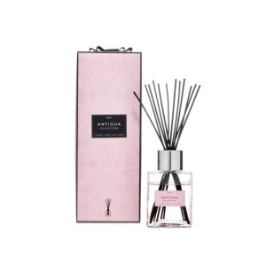 Luxury reed diffuser in gift box with rattan sticks