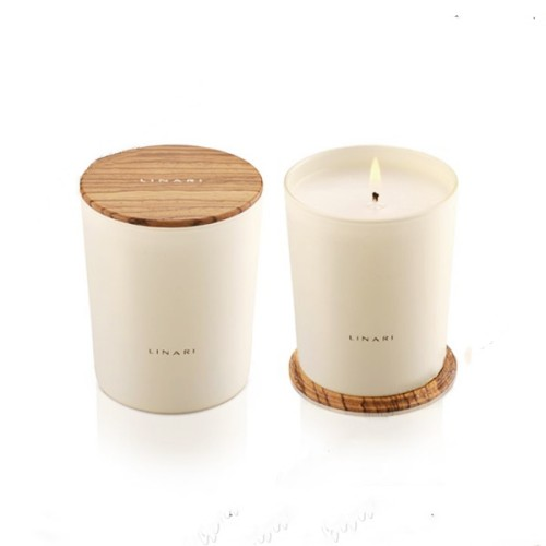China Factory Scented Soy Wax Candle with Wood Lid  in Glass Jar with High End Gift Box