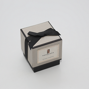 Luxury black gold scented soy candle jar gift box in home fragrant