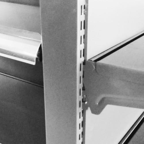 Divider for specialized production supermarket display metal shelf