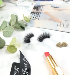 100% Cruelty Free 3D Silk Fiber Eyelashes With Customized Three Pairs Eyelashes Vendor