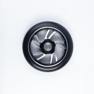 직업적인 성숙한 곡예 스쿠터를위한 110mm 직경 크기를 가진 상한 합금 중핵 스쿠터 바퀴
