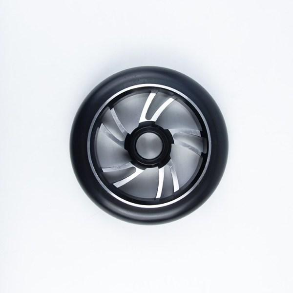 Roues haut de gamme de scooter de noyau d'alliage avec la taille de diamètre de 110mm pour le scooter adulte professionnel de cascade