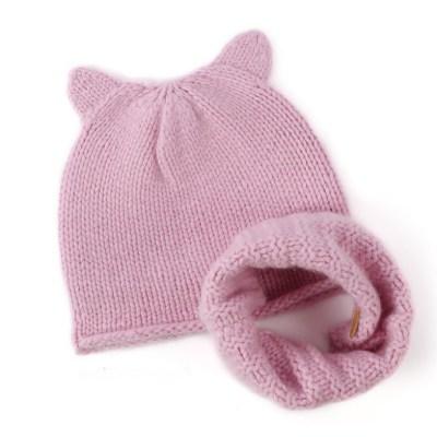 gorro y bufanda de cachemira rosa con costillas y orejas