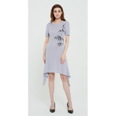 langer Frauenpullover aus Kaschmirseide mit handgezeichnetem