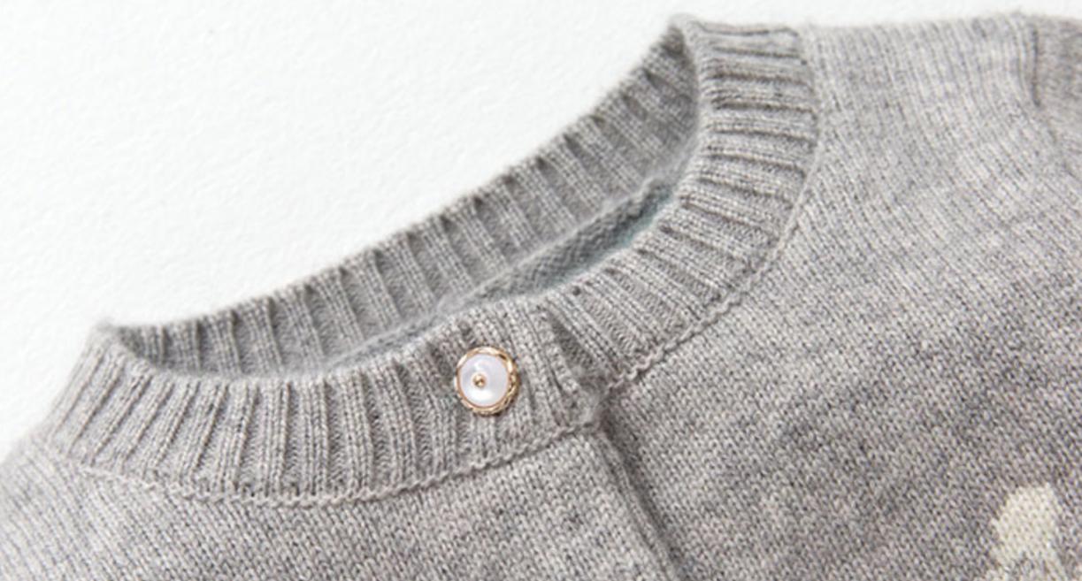 chaqueta de cachemira gris niña para llevar al aire libre