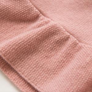 pull en cachemire fille mignonne de couleur rose avec motif lapin