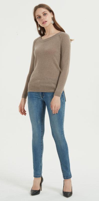 elegante suéter de mujer de cachemir puro con color natural para otoño invierno
