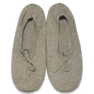 Wholesale ladies high-end luxury pure cashmere slippers ODM china factory