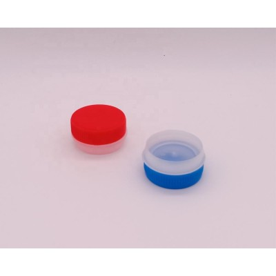 Plastic material PE PP screw cap empty oil tin can plastic spout and cap in stock