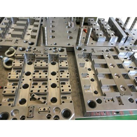 Beautiful and durable mold injection manufacturing and processing