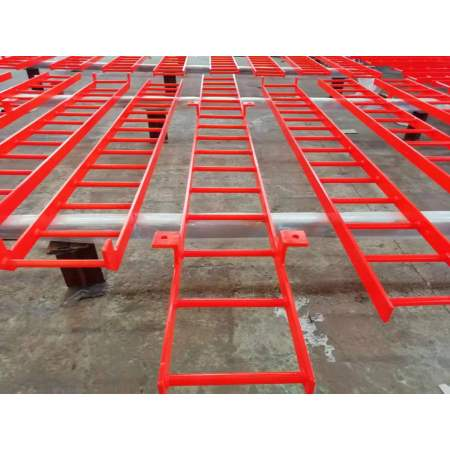 Safe and reliable welded movable steel climbing ladder