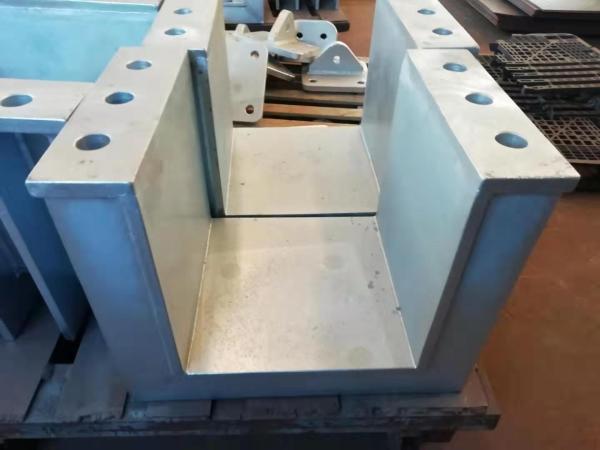 大規模な鋼製部品の製造と設計には、鋼製取り付け固定プレートを使用できます