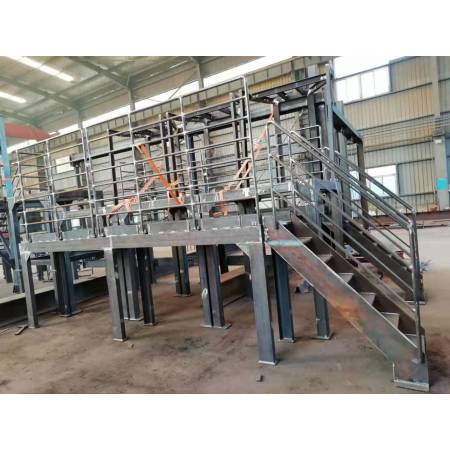 Production and construction of steel structure engineering chemical equipment workbench
