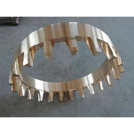Wear-resistant bearing cage with low machining density