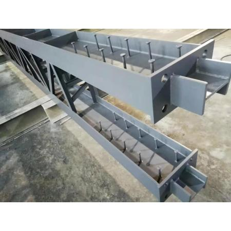 Steel lattice column with steel beam and steel column strong shaft connection