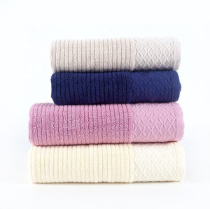 Plain color cross stripe jacquard bath towel, 100% cotton grid border, factory supply, reusable.