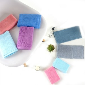 100% cotton small size square plain colour towel,factory supply, reusable.