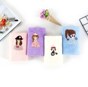More soft solid-color microfiber bath towel,80% polyester,20% polyamide quick drying applique towel