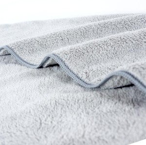 Microfiber cute animal design embroidery coral fleece towel children towel Good water absorption.