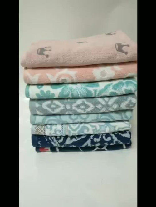 Luxury home flower jacquard pattern soft cozy towel hot sell,factory supply, reusable.