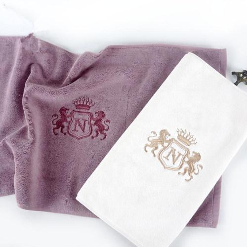 Luxury embroidery bathmat antiskid durable for hoteland home bath room.