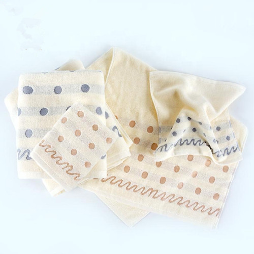 Luxury jacquard border bath towel,100% cotton big gsm, factory supply, reusable.