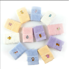 100% cotton the small size light colour embroidery Christmas for children gift towel, reusable