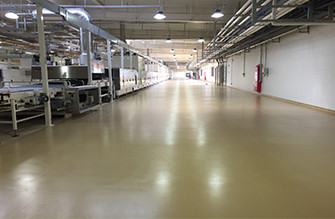 Two-component solvent-free low-elastic polyurethane self-leveling floor
