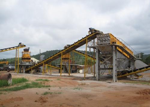 نظام الناقلات المستخدمة في تكسير الحجارة أو معمل معالجة المعادن