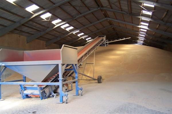 Простой мобильный ленточный конвейер, использующий решение для обработки зерна или легких грузов
