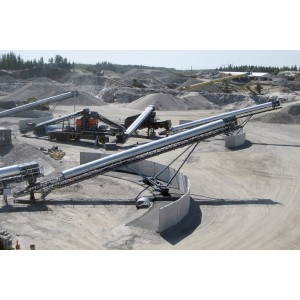 Mobile design with radial belt conveyor solution used for aggregate stacking handling