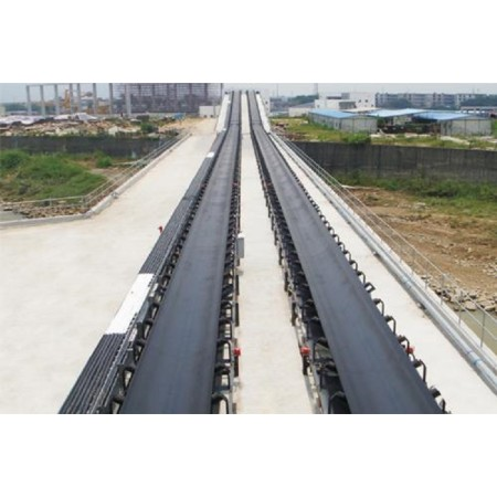 Long distance belt conveyor used for bulk material with large conveying capacity