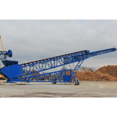 Telescopic belt conveyor  used for barge loading or tracking solution