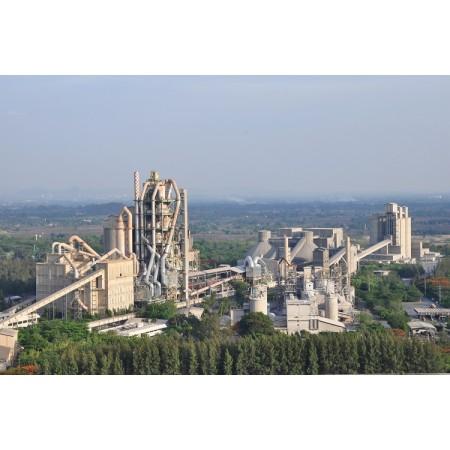 Завод по переработке цемента с использованием системы ленточных конвейеров для транспортировки сырья