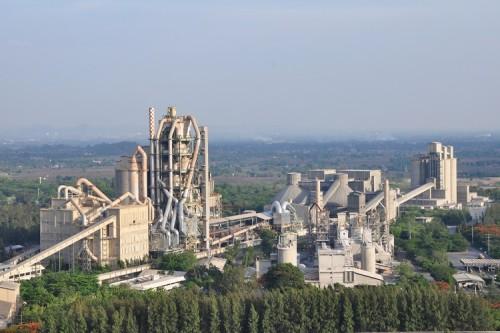 مصنع معالجة الأسمنت باستخدام نظام الحزام الناقل لنقل المواد الخام