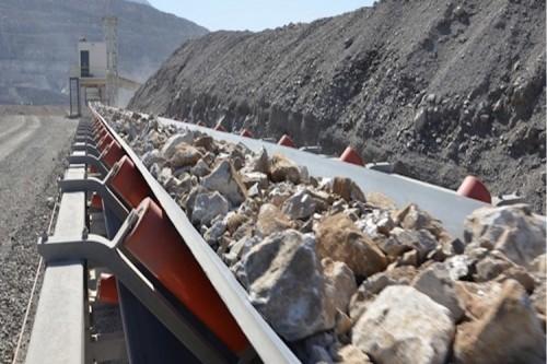 نظام نقل وتكدس الصخور المسحوقة والمجمعة