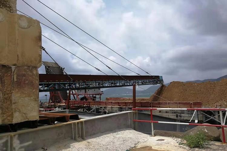 conveyor for port reclaim