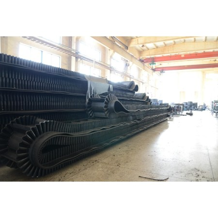 China brand Corrugated conveyor belt sidewall used for concrete mixed plant