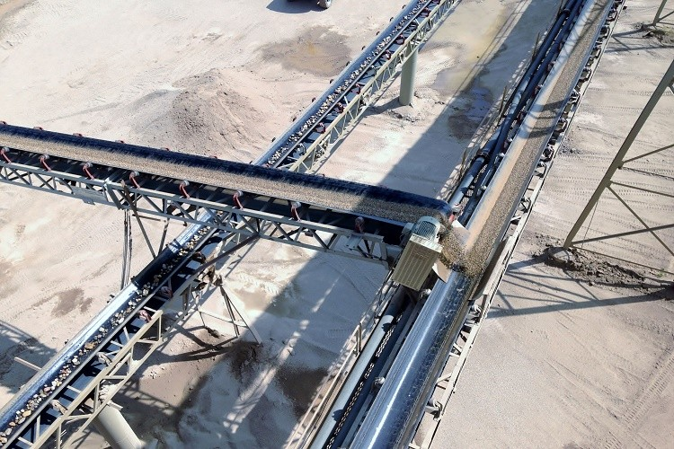 Belt conveyor stacking soltion