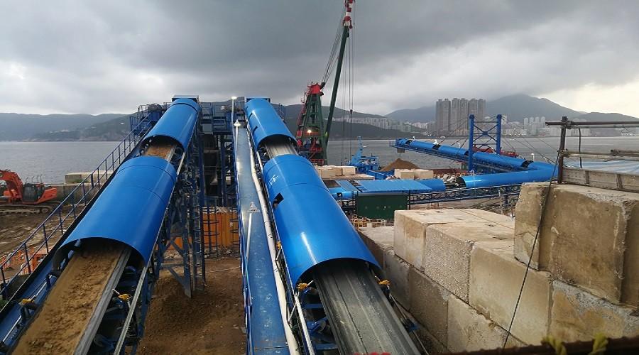 Ship loading conveyor system